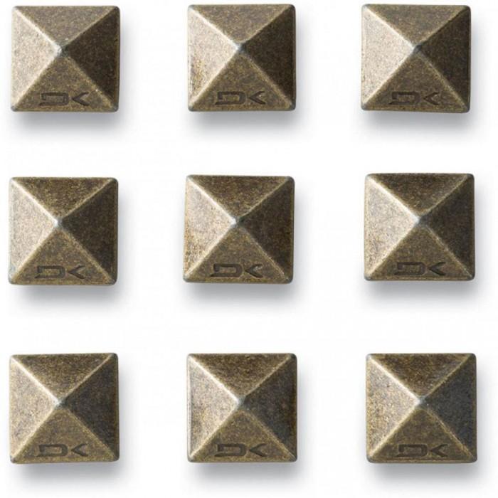 DakinePyramidStuds-31